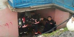 Malatya'da ev yangını, 3 kişi dumandan etkilendi