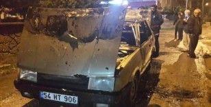 Sakarya'da seyir halinde alev alan otomobil yandı
