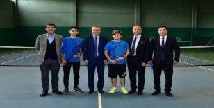 Manisa'da tenis alt yapılmasının geliştirilmesi çalışmaları başladı