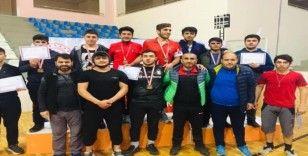 Vanlı güreşçiler Bingöl'den 8 madalyayla döndüler