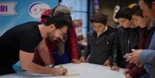Uğur Arslan, Nevşehir'de kitap fuarına katıldı