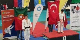 Down sendromlu judocular dünya şampiyonu oldu, aileleri sevince boğuldu