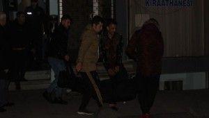 Fatih'te ölü bulunan İranlı şahsın cesedi adli tıpa kaldırıldı