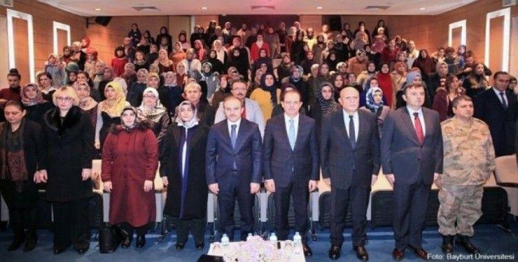 """Bayburt Üniversitesi'nde """"Anne Üniversitesi"""" açılış töreni gerçekleşti"""