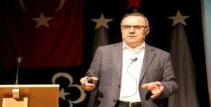"""Prof. Dr. Adnan Ömerustaoğlu: """"Daha kaliteli düşünmek için yeterli kelime bilgisine sahip olmalıyız"""""""