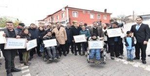 Ahlat'ta engelliler için farkındalık yürüyüşü