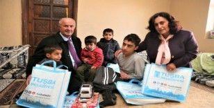 Başkan Akman, engellileri evde ziyaret etti