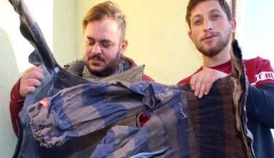 Erzurum'da araç kapıları ve elbiseler buz tuttu