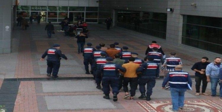 Mersin'de DEAŞ'a operasyonda 2 tutuklama