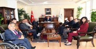Engelli dernekleri yöneticilerinden Vali Pekmez'e ziyaret
