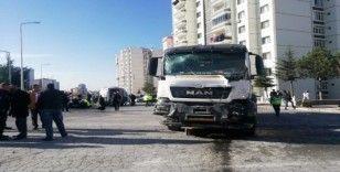 Kayseri'de halk otobüsüne beton mikseri çarptı: Çok sayıda yaralı var