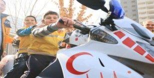 İşitme engelli öğrencilere ambulanslar tanıtıldı
