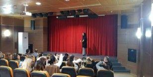 Ceyhan Belediyesi'nde işaret dili ile engeller kalkıyor