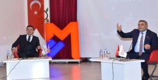 Başkan Sadıkoğlu,  gençlere dil öğrenmelerini tavsiye etti