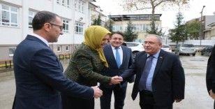 Vali Nayir Adapazarı Mesleki ve Teknik Lisesi öğrencileriyle bir araya geldi