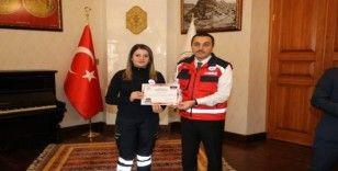 Vali Öksüz, UMKE ekibini ödüllendirdi