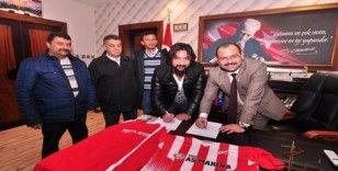 Amatör kulüp, belediye başkanını kadrosuna kattı