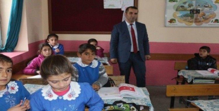 Müdür Tunçel'den okul ziyareti