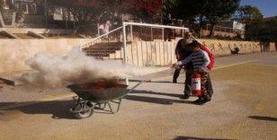 Öğrencilere yangın tatbikatı eğitimi
