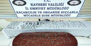 Kayseri'de tarihi eser kaçakçılığı; Doğu Roma ve İslami dönemlere ait sikke ve tarihi eserler ele geçirildi