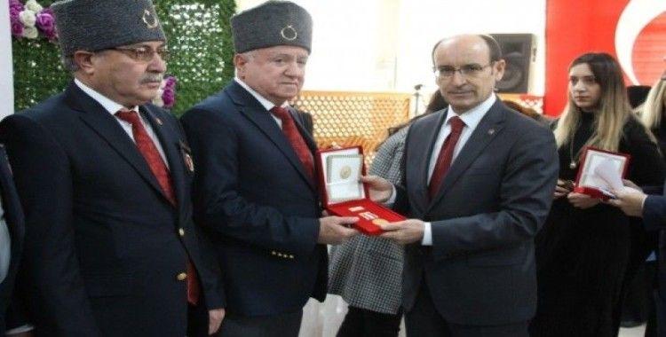 Söke'de Kıbrıs gazilerine madalyaları törenle teslim edildi