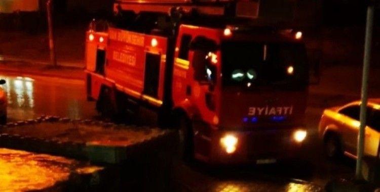 Van'da iş yerinin bacasından çıkan yangın korkuttu