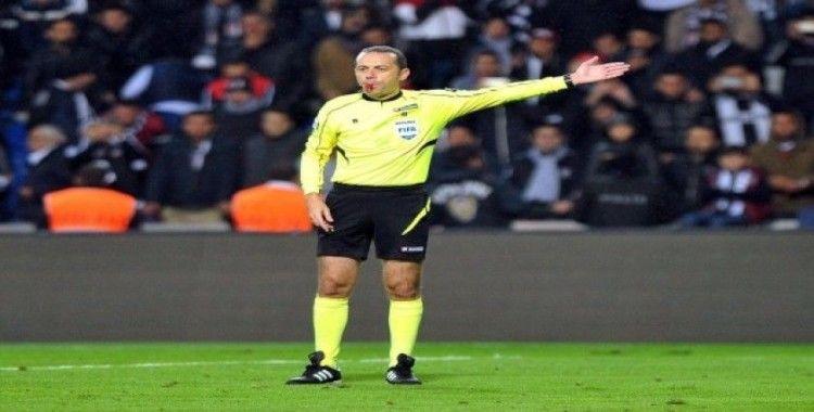 Napoli - Genk maçını Cüneyt Çakır yönetecek