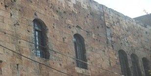 Duvar yıkılınca tarih gün yüzüne çıktı