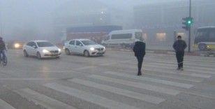İnegöl'de iki gündür sis etkili oluyor