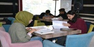 Eyyübiye'de öğrenciler ücretsiz kursta sınava hazırlanıyor