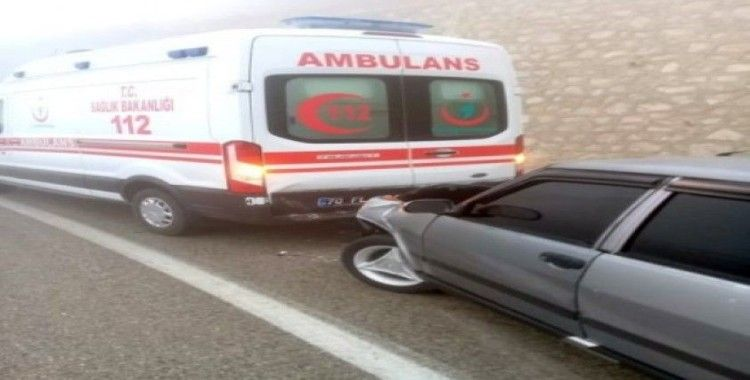 Yaralı taşıyan ambulansa kaza yaptı: 7 yaralı