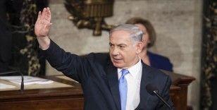 Netanyahu elindeki bakanlık koltuklarını bırakıyor