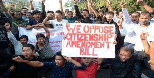 Hindistan'da vatandaşlık yasası protestosu: 1 ölü