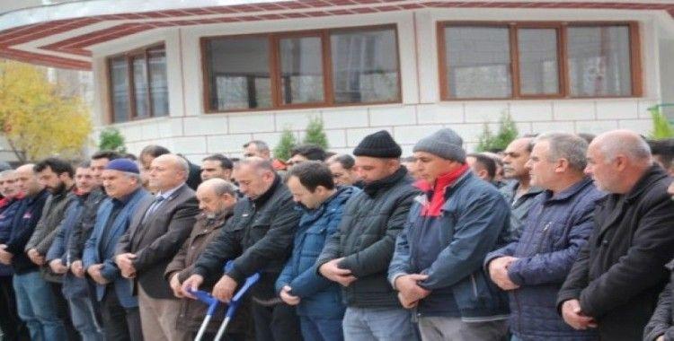Soba yakarken alevler içinde kalan işçi defnedildi