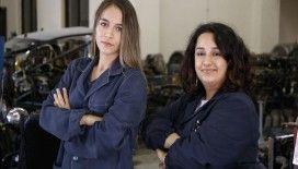Otomobilin 'kadın ustaları' olabilmek için ter döküyorlar