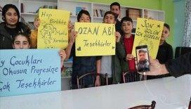 Ozan Tufan Diyarbakırlı öğrencilerin yüzünü güldürdü