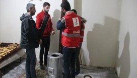Türk Kızılay kara kışta ihtiyaç sahiplerinin yardımına koşuyor