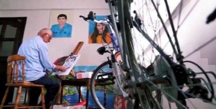 Emekli polisin bisiklet tutkusu