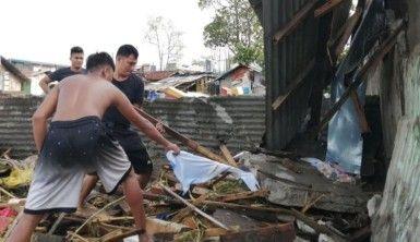 Filipinler'de Phanfone Tayfunu bilançosu, 13 ölü