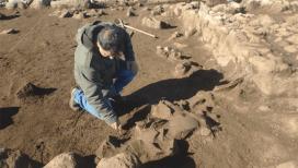 Suların çekilmesiyle ortaya çıkan höyüğün 12 bin yıllık olduğu belirlendi