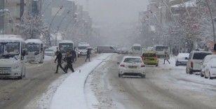 Muş'ta 80 köy yolu ulaşıma kapandı