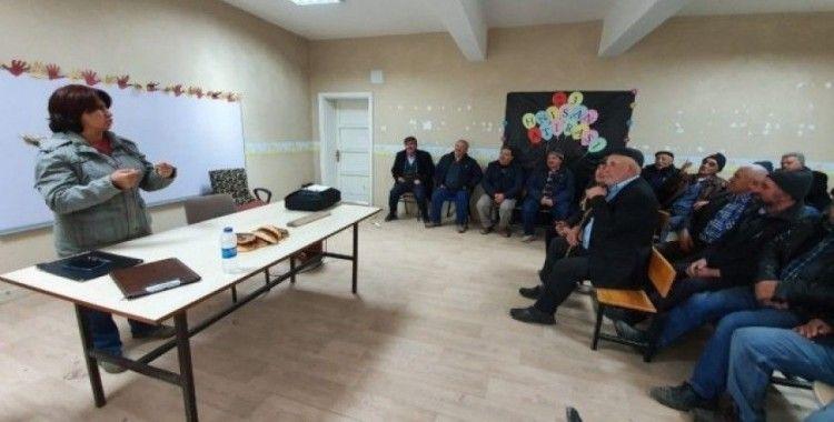 İhsaniye'deki çiftçiler destek konusunda bilgilendirildi