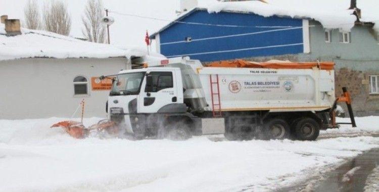 Talas'ta karla mücadele hız kesmiyor