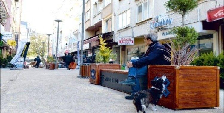 Altıeylül'de sokak yenilemeleri devam ediyor