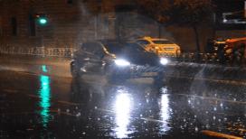 Gece saatlerinde başlayan yağmur İstanbul'da etkili oldu