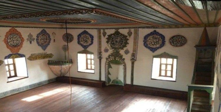 Demirci'de 7 asırlık caminin restorasyonunda sona gelindi