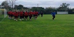 Yeşilyurt Belediyespor'da Gülerce takımının başında ilk çalışmaya çıktı