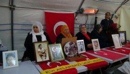 HDP önünde, ailelerin evlat nöbeti 127'nci gününde