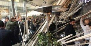 Zincirlikuyu'da bir AVM'de kafenin çatısı çöktü