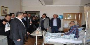 Kaymakam Şahin ve Başkan Altun'dan Hasta Ziyareti